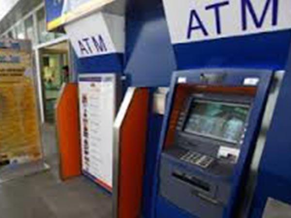 ಆಧಾರ್ ಕಾರ್ಡ್ ಆಧಾರಿತ ಎಟಿಎಂ ಲಾಂಚ್: ATM ಬಳಸಲು ಆಧಾರ್ ಕಾರ್ಡ್ ಸಾಕು!
