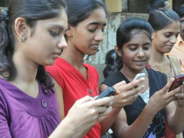ಭಾರತದಲ್ಲಿ ಎಷ್ಟು ಜನರು ಮೊಬೈಲ್ ಬಳಕೆ ಮಾಡುತ್ತಿದ್ದಾರೆ ನಿಮಗೆ ಗೊತ್ತಾ?