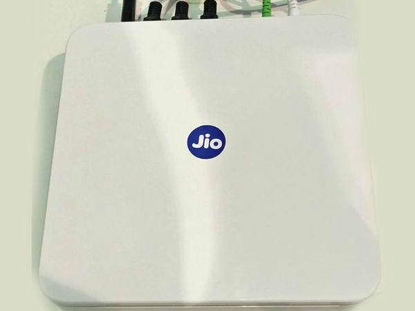ದೀಪಾವಳಿ ಧಮಾಕ: ಅಂಬಾನಿ ಸಿಡಿಸಿದ ಡೇಟಾ ಪಟಾಕಿ '1GBಗೆ ರೂ.5 ಮಾತ್ರ'.!!