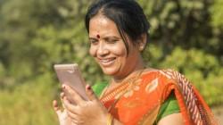 ಮಹಿಳೆಯರಿಗೆ ಉಚಿತ ಸ್ಮಾರ್ಟ್ಫೋನ್, ವೈಫೈ ಘೋಷಿಸಿದ ಸರ್ಕಾರ!!